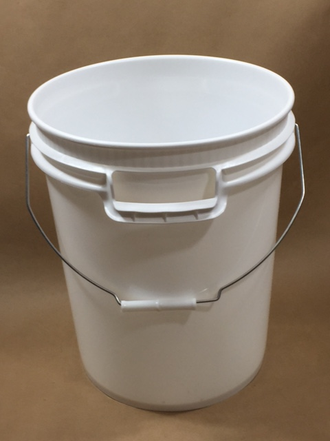 5 Gallon Utility Pail & 5 Gallon Plastic Economy Consumer/Utility Pail | Yankee Containers ...