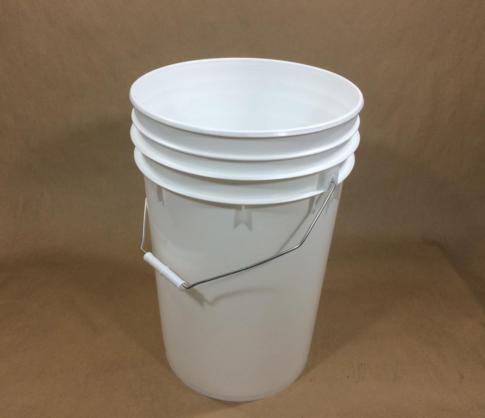 6.5 Gallon Heavy Duty Plastic Pail