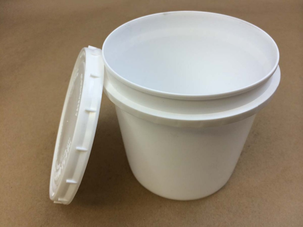32 oz.   Open Head White  Vapor Lock  Plastic   Tub