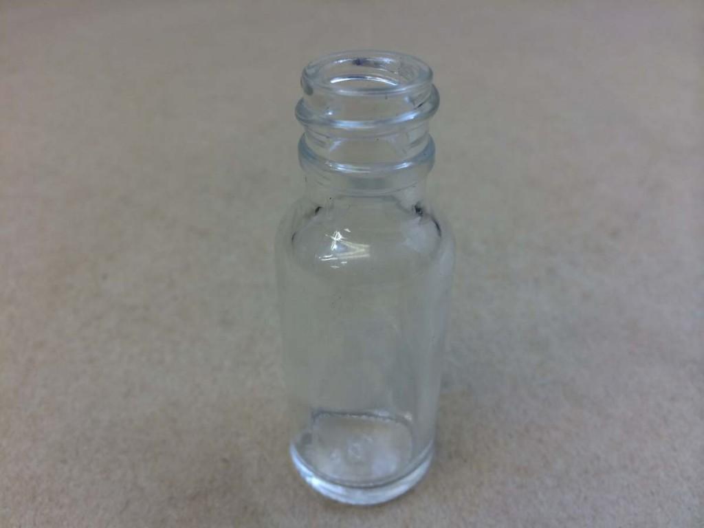 1/2 oz.   18 400 Flint/Clear  Boston Round  Glass   Bottle