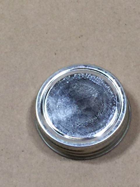 1.75   1.75 Silver  Round  Tinplate   Delta Cap with Solvseal Liner