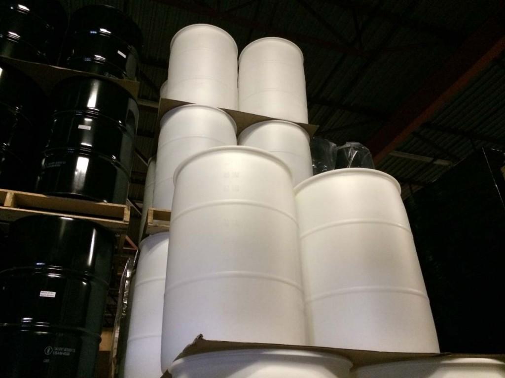 Buying 55 gallon tighthead plastic barrels (drums) | Yankee ...