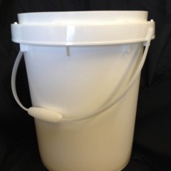 5 Gallon Plastic Pails for Recycling Waste