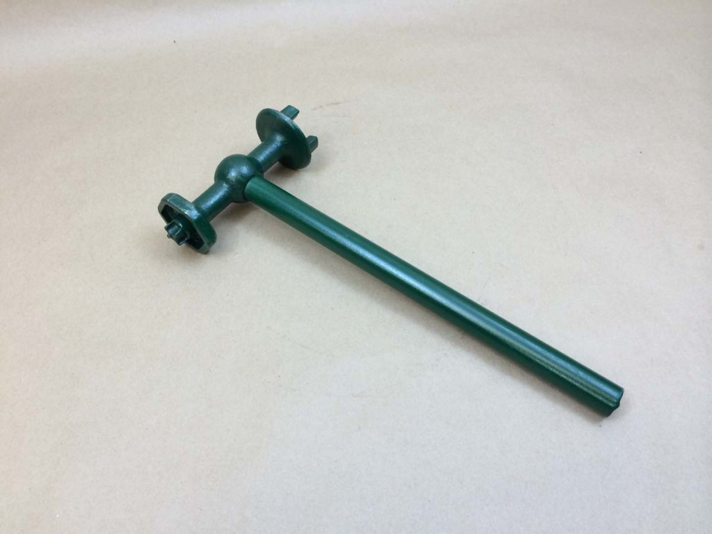 bung wrench, plug wrench for drums