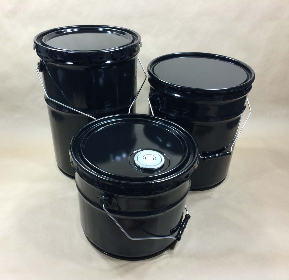 metal buckets with covers