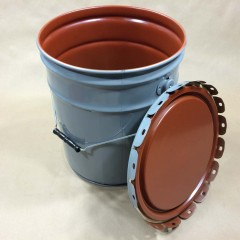 Advantages of Using Steel Pails and Drums for Packaging