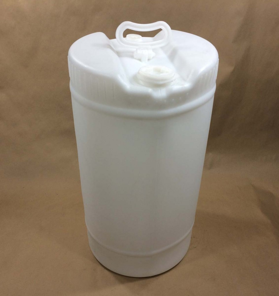 15 Gallon Translucent UN Rated Plastic Tight Head Drum with Liquid
