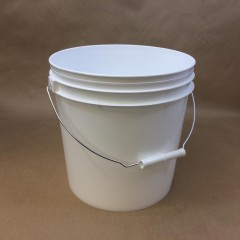 Plastic Pails for Packaging Automotive and Marine Buffing & Polishing Compounds