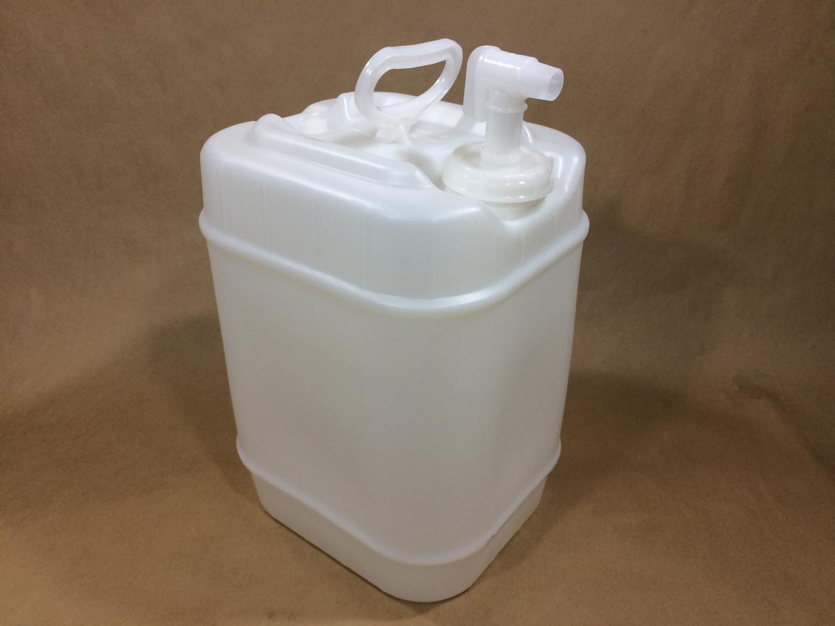 5 Gallon Rectangular Winpak With Fs70 And Spigot Hed