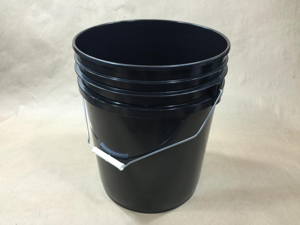 5 Gallon Black Plastic Pail For Tack Coat Yankee